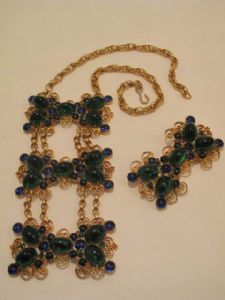 1960's Emerald and sapphire coloured vintage collar/brooch ensemble **SOLD**.